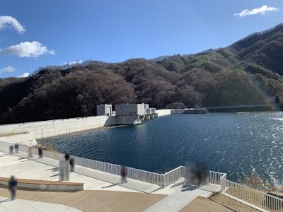 資料館展望デッキから見た八ッ場ダム