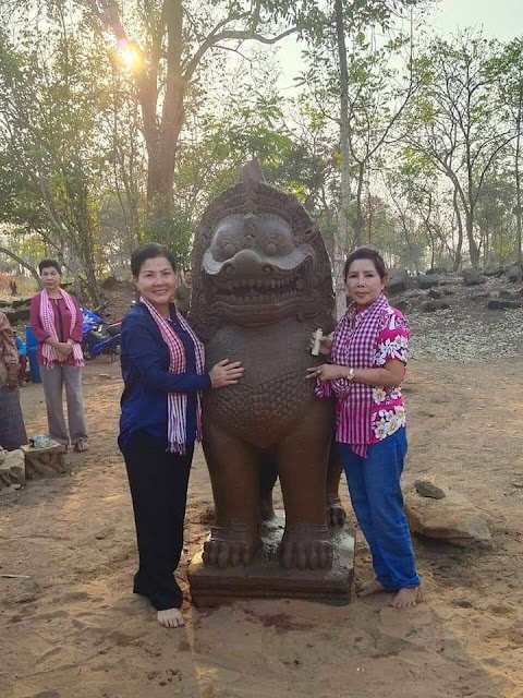 Ancient lion statue found at Cambodia's temple complex