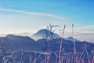 Bukit Pangonan Dieng