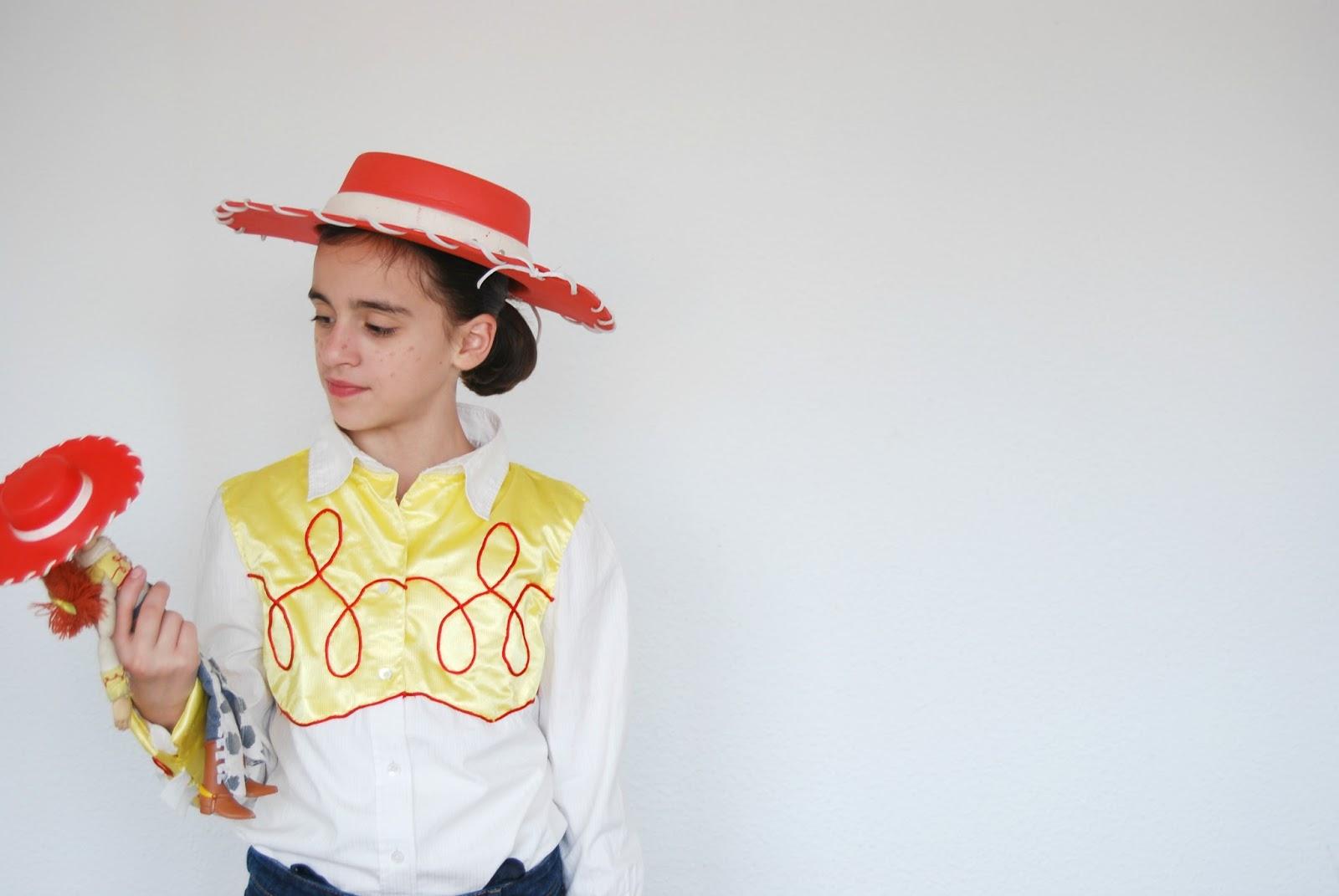 86a43860c10cb disfraz Jessie la vaquera hecho en casa. Handmade Jessie from Toy Story  costume