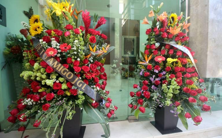 """Fotos; """"El Chapo"""" envia Flores a su gente, amigos, compadres y gatilleros fallecidos, cuyos restos descansan en Jardines del Humaya"""