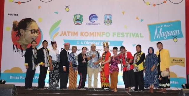 Pemeran Gandrung Kentrung Djos Tampil Wakili Jember di Festival Magetan