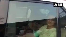 કંગના રાણાઉત મુંબઇ પહોંચી, એરપોર્ટ પર નારેબાજી પાકિસ્તાન ચલી જાઓ