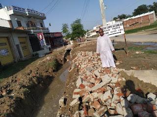 नहीं बनी नाले की गिरी दीवार जल निकास का संकट बरकरार