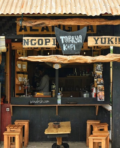 kedai kopi di Tana Toraja