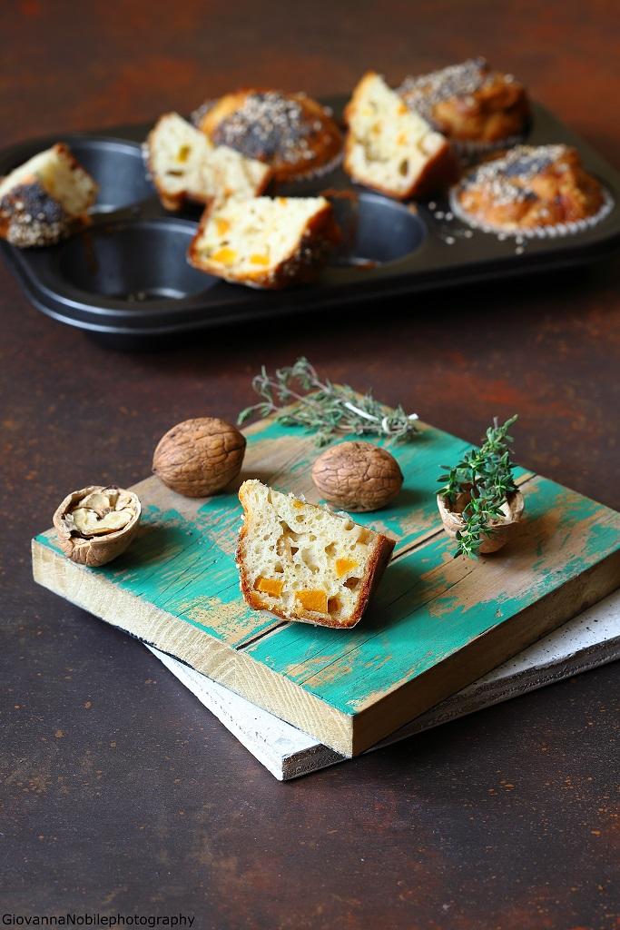 Muffin con zucca, gorgonzola e noci