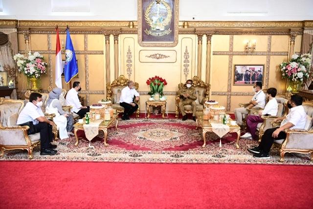 Nurdin Abdullah Terima Kunjungan Direktur PT Citilink Indonesia, Juliandra