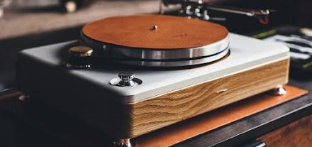 The Runwell Turntable von Shinola | Der neue Luxus Plattenspieler aus Detroit