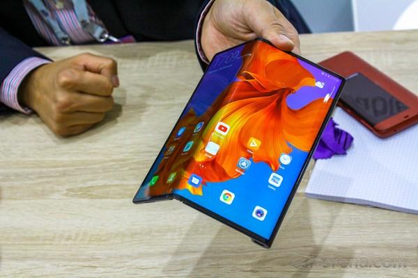 آخر الأخبار عن هاتف هواوي القابل للطي Huawei Mate X2