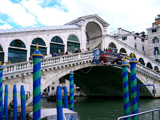 Italia. Italy. Italie. Veneto. Vénétie. Venecia. Venezia. Venise. Venice. Gran Canal. Canal Grande. Canalasso. Rialto. Ponte di Rialto. Puente de Rialto