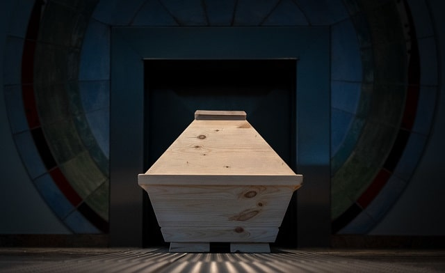 advantages of cremation services loved ones cremated ashes