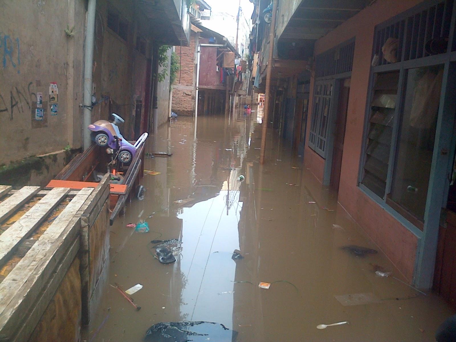 Banjir Jakarta: Banjir Kiriman Genangi Sejumlah Wilayah DKI Jakarta