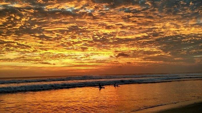 sunset pantai kuta