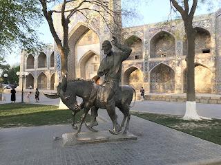 La statua di Nasreddin Khoja a Bukhara