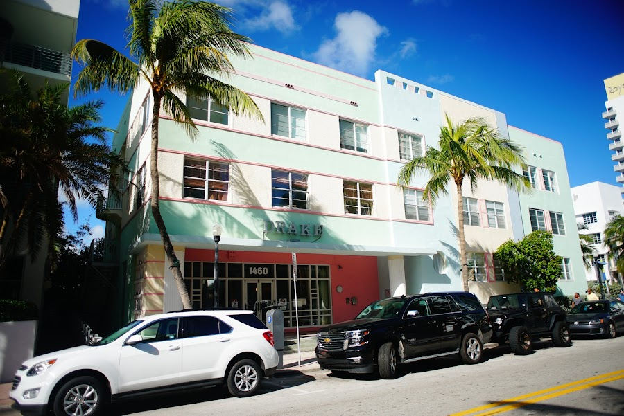 Art deco walk around Miami