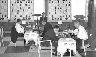 Partidas de ajedrez Miquel Farré contra Miguel Najdorf y Arturo Pomar contra Eric Eliskases en el I Torneo Internacional de Ajedrez Costa del Sol 1961