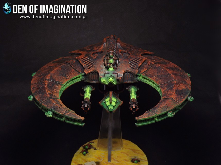 Rusty Necrons Doom Scythe with an embarking slot on his resin base. This  has got to be my fave. I would really like to make a fleet of those. c85d75ffd18