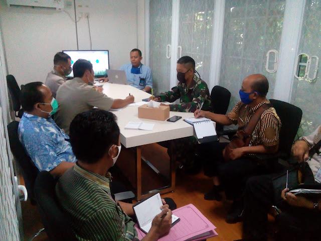 KodimKaranganyar - Serma Hermawan Tjahjanto Hadiri Undangan Koordinasi SOP Penanganan Keamanan dan Bencana