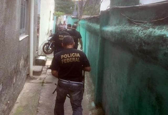 Polícia Federal combate o tráfico internacional de criança recém-nascida para fim de adoção ilegal