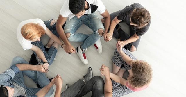 10 Ayat Alkitab Terbaik Untuk Kaum Muda