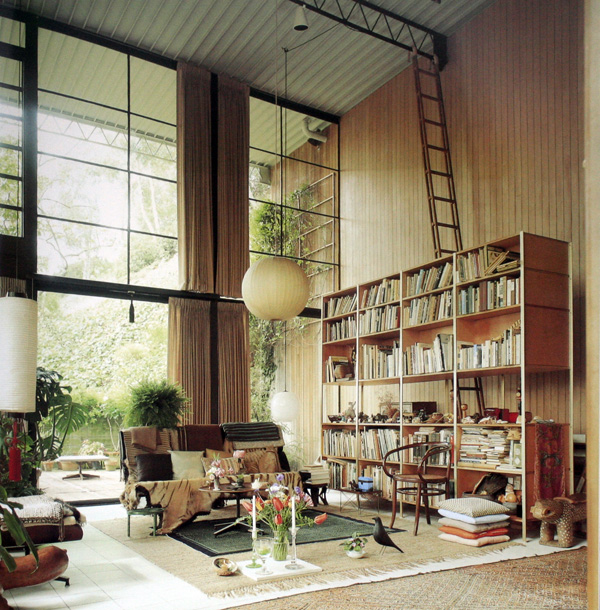INTERIOR EAMES HOUSE