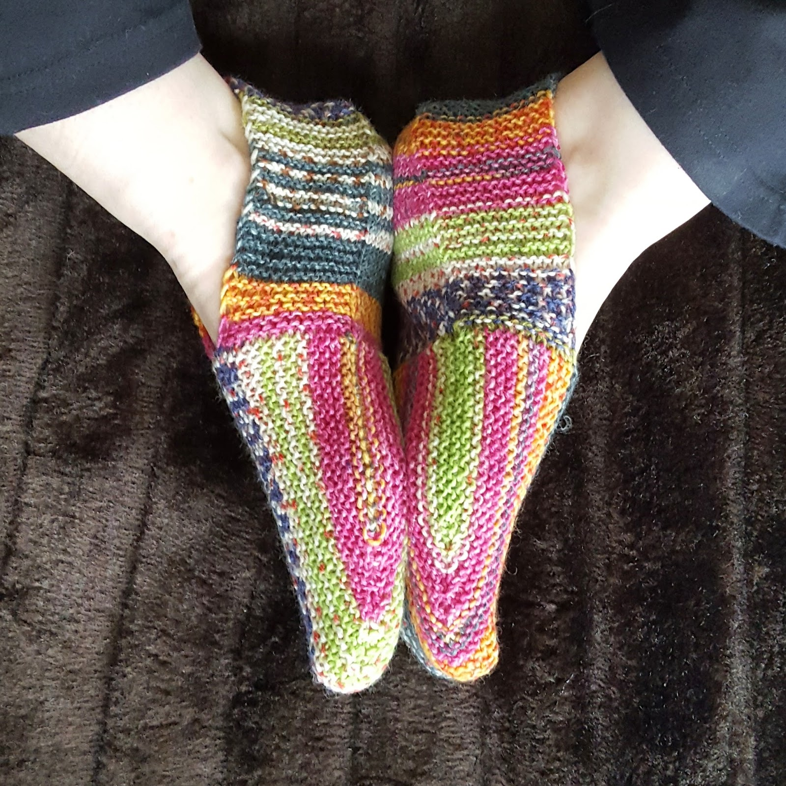 Knitting and so on: Undecided Slippers