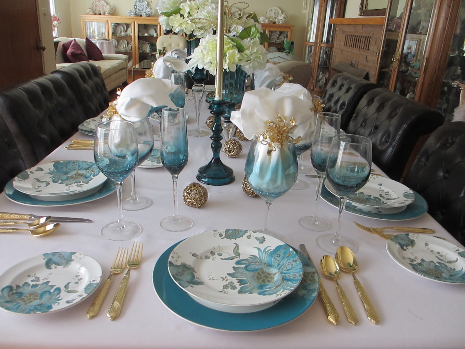 The Welcomed Guest: Teal Blue Tablescape