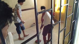 Jumat Bersih, Cegah Covid-19. Ruang Satres Narkoba Disterilkan dengan Cairan Disinfektan