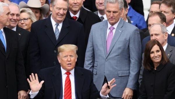 Trump promulga T-MEC, nuevo acuerdo comercial regional