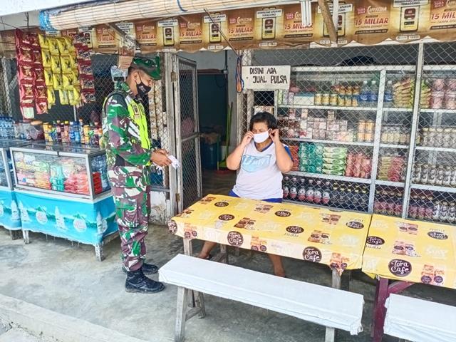 Personel jajaran Kodim 0207/Simalungun Laksanakan Pembagian Masker Kepada Warga Binaan