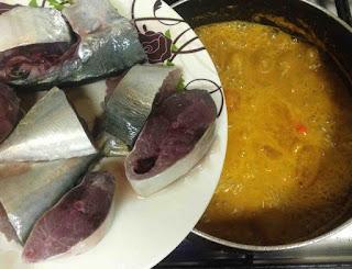 ayala manga thenga aracha meen curry / pachamanga meen curry