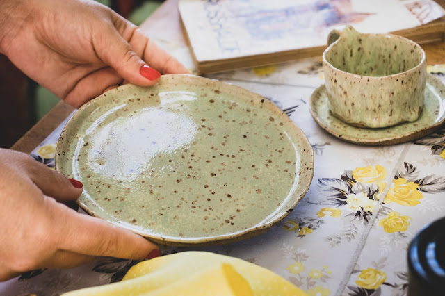 Conjunto de cerâmica para sobremesa