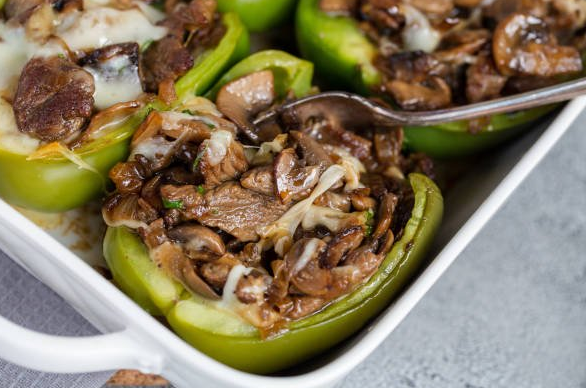 Philly Cheesesteak Stuffed Peppers #healthydiet #cheesesteak #paleo #whole30 #easy