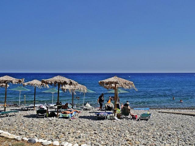kamienista plaża w Paleochora na Krecie