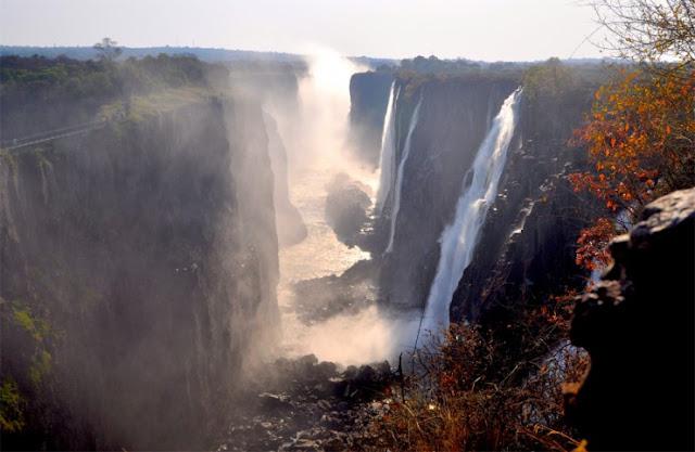 Victoria Falls, perbatasan Zambia dan Zimbabwe