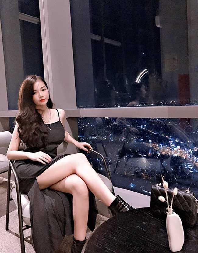 Phong cách gợi cảm của 3 hot girl Việt lên báo nước ngoài vì vòng 1 ấn tượng