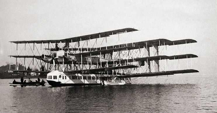 Caproni Ca-60 dünyanın en eski yolcu uçağı olacaktı, fakat yapılan testleri geçemedi.