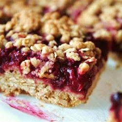 Delicious Raspberry Oatmeal Cookie Bars with recipe link