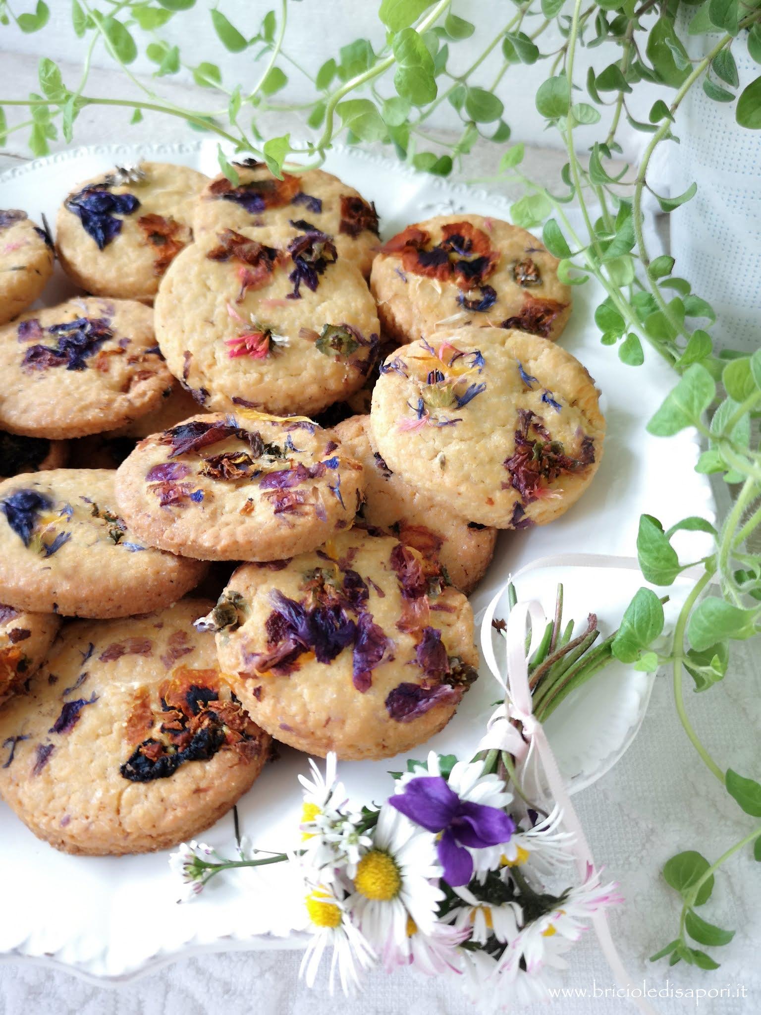 biscotti con kamut zenzero e fiori primaverili