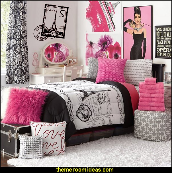 16 Piece Girls Student Starter Pak - Twin XL College Dorm Bedding and Bath Set