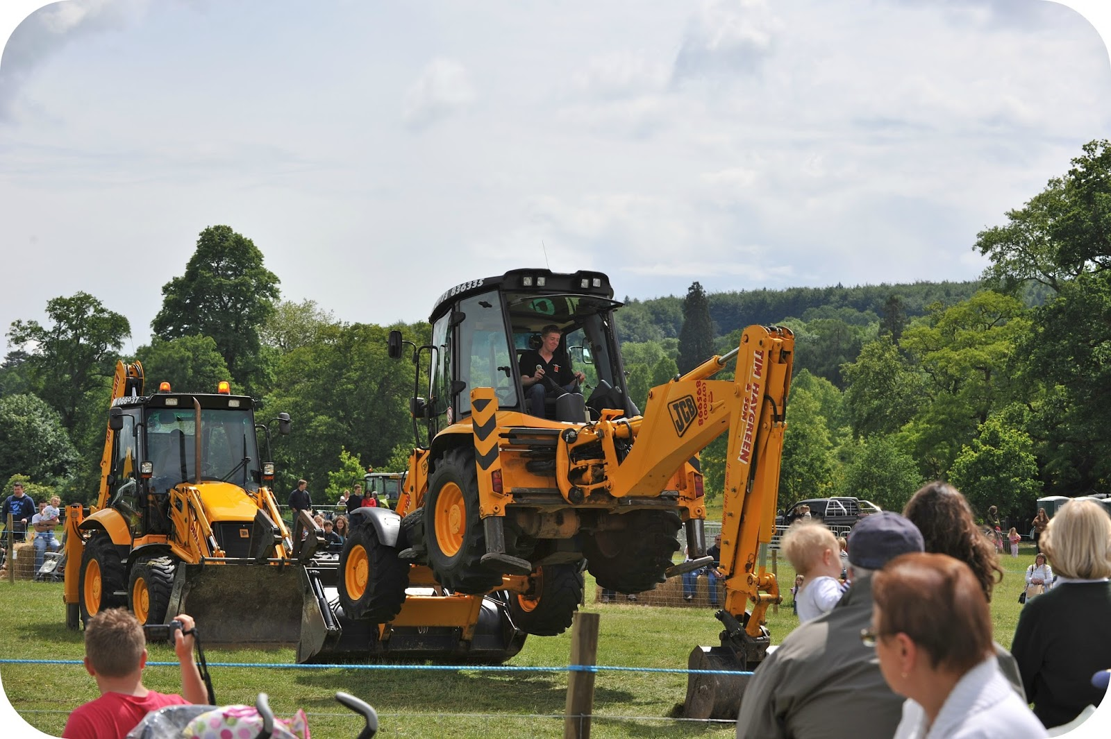 Win a Family Ticket to Tractor Ted's Big Machines Weekend at Bowood House