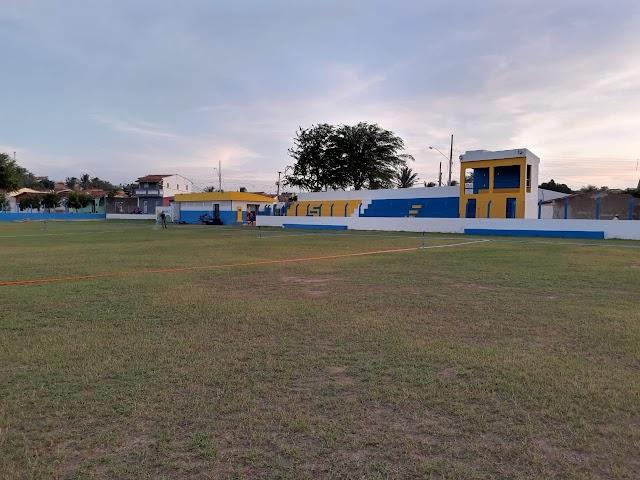 Estádio Municipal de Arara passa por obras de manutenção do gramado