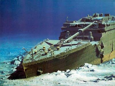 Mengapa Titanic Menabrak Gunung Es?