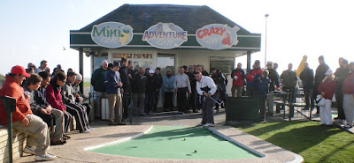 Richard Gottfried playing in the final of the 2009 World Crazy Golf Championships