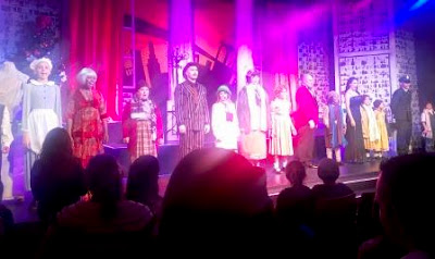 Final bows at Annie JR Theatre production