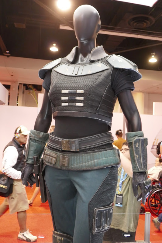 Gina Carano The Madalorian Cara Dune costume