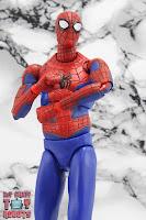 MAFEX Spider-Man (Peter B Parker) 30
