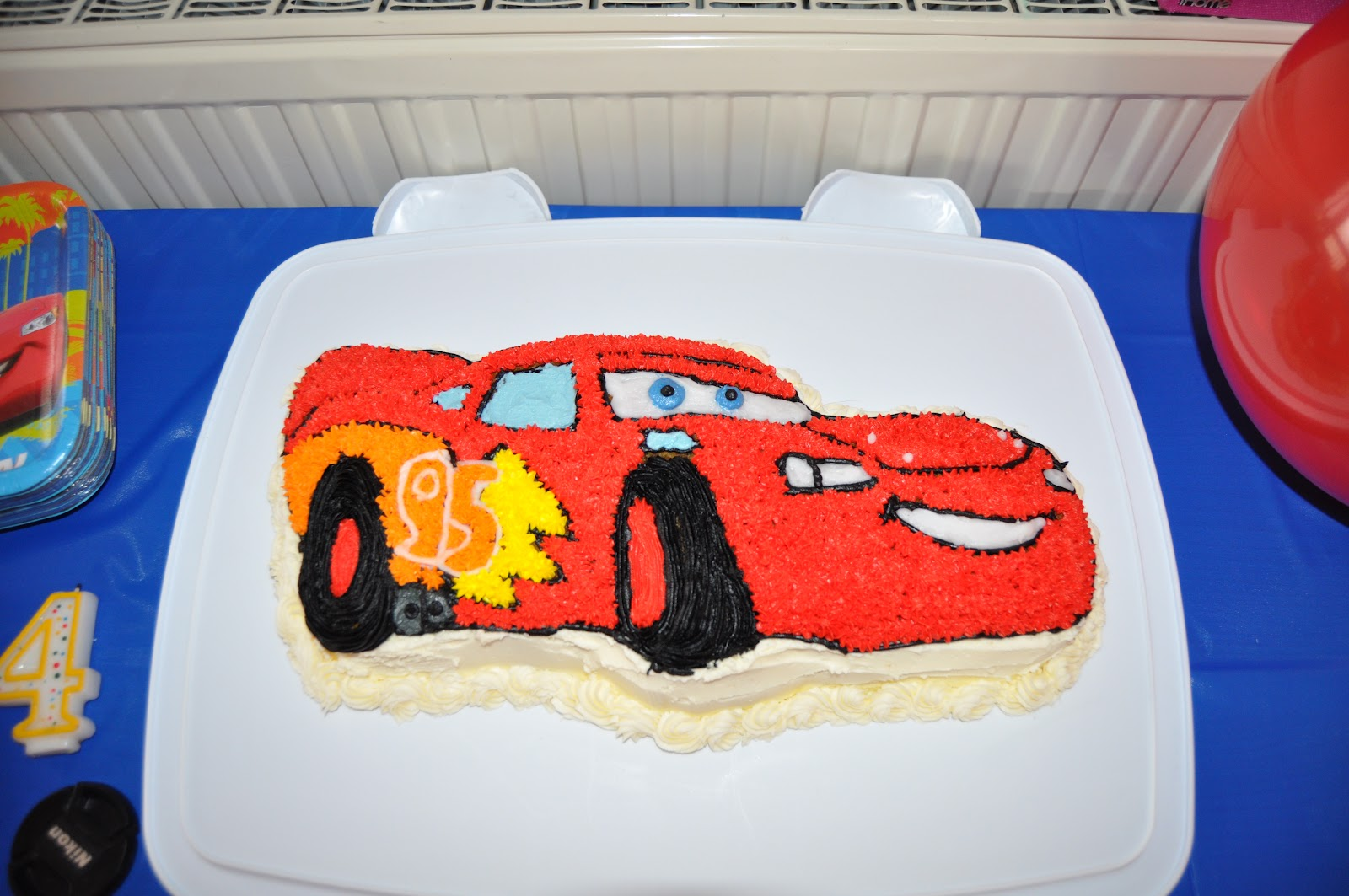 Courtney S Cakes Amp Cupcakes Cars 2 Quot Lightning Mcqueen Cake Quot