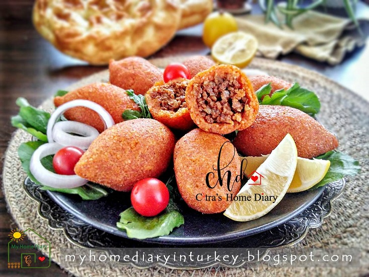 İçli Köfte / Turkish Stuffed bulgur meatball | Çitra's Home Dairy. #turkishcuisine #turkishfoodrecipe #stuffedmeatball #kibbeh #resepmasakanturki #içliköfte #middleeastern