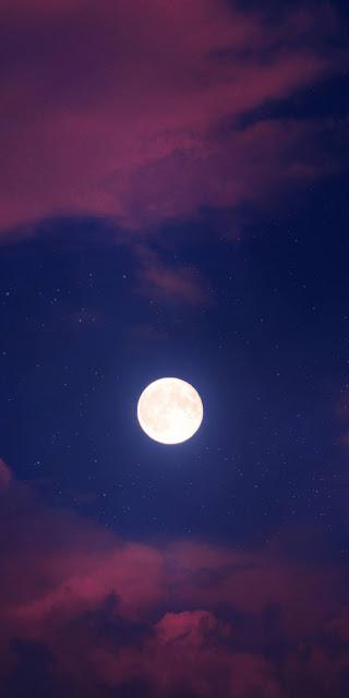 Đêm trăng tròn giữa bầu trời sao